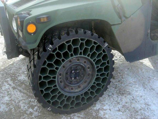 """Военные исследователи США испытывают прототип  """"безвоздушных..."""