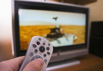 Спутниковое и эфирное телевидение: основные выгоды для потребителей