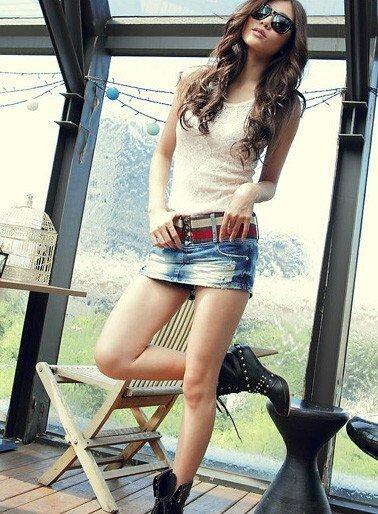 фото девушек в джинсовых миниюбках